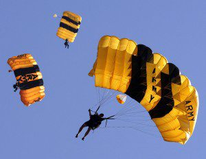 US_Army_parachuters-300x232